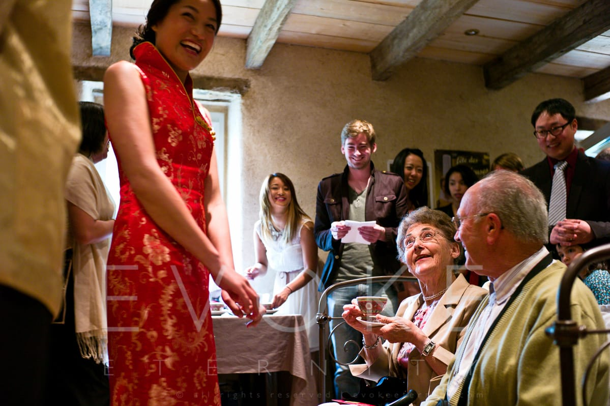 Chinese Tea Ceremony in France | Wedding Photojournalistic Photography | Evoke Eternity